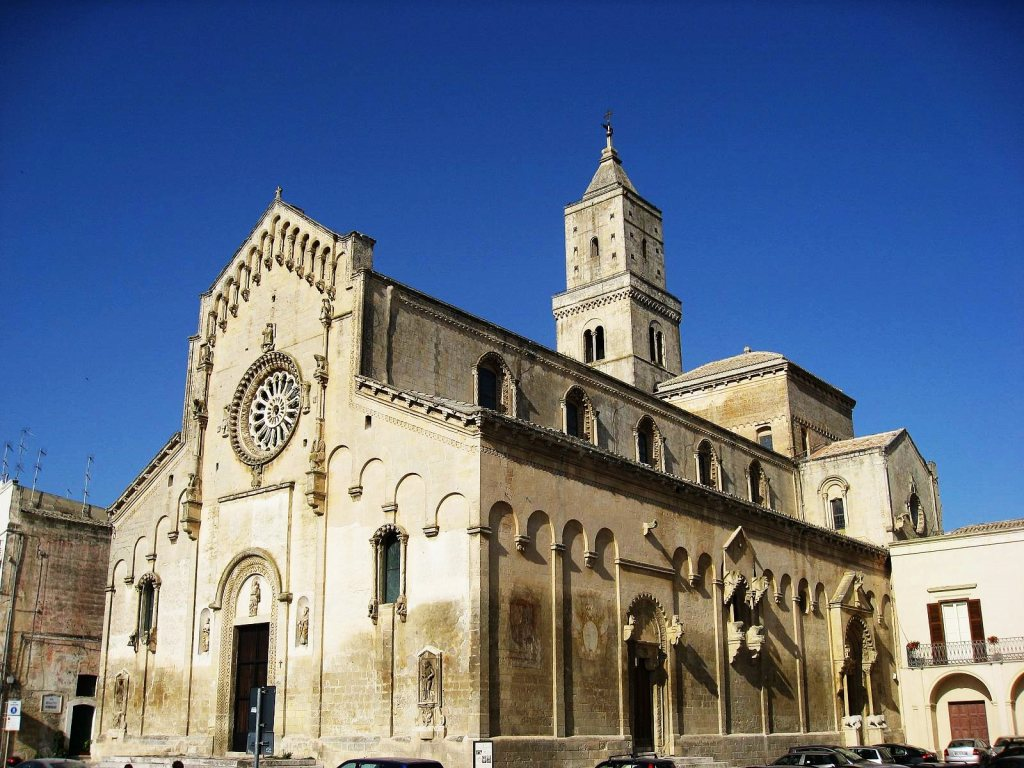 Matera-Sasso-Barisano-historical-center-cathedral-duomo